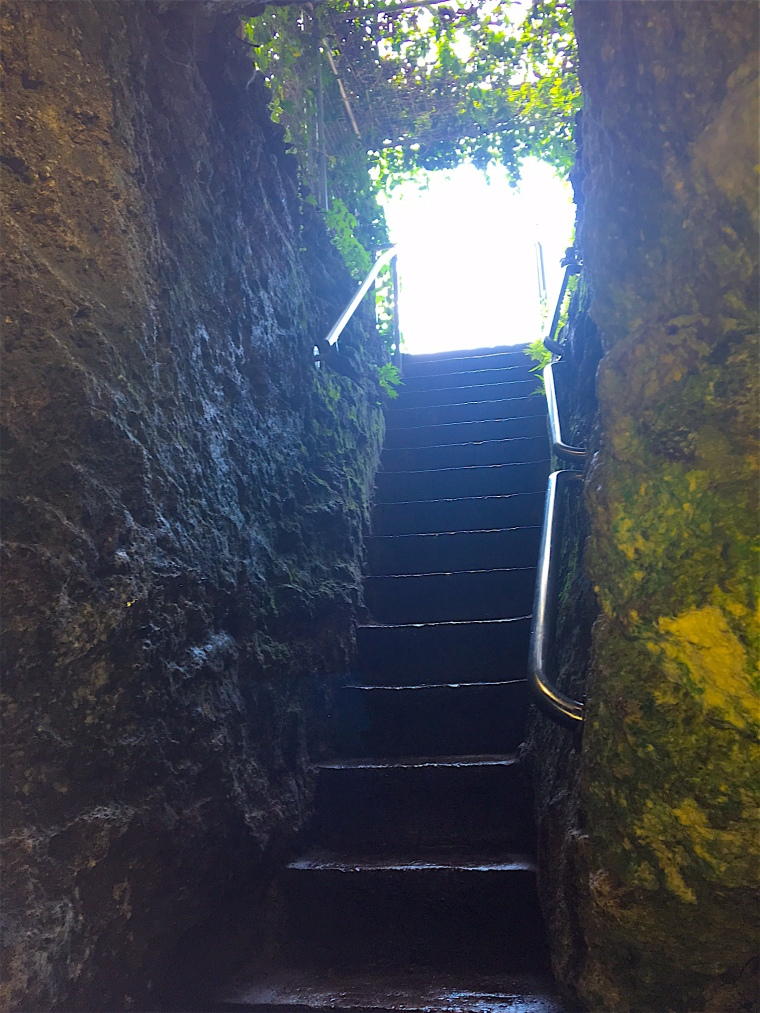 Devil's Den Staircase